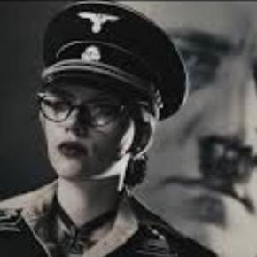 Scarlett Johansson og Adolf Hitler